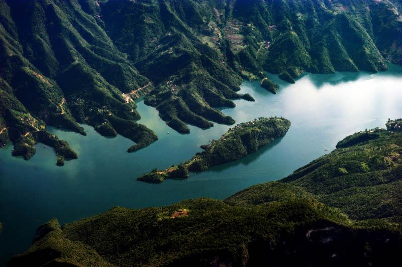 三峡夏季江水的特点