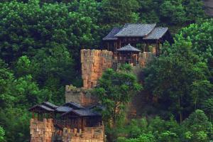 广安神龙山巴人古堡