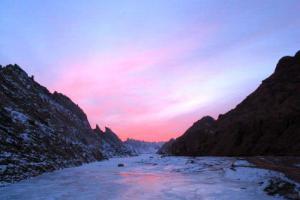 克孜尔里亚山