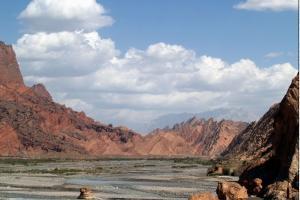 天山库车大峡谷