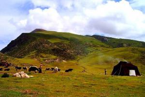 门莫扎嘎山脉