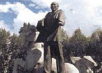 王震将军雕像