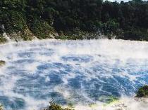 波里尼西亚温泉