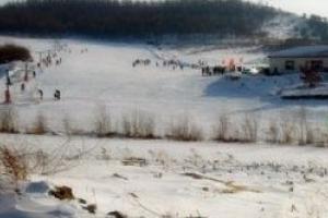 玉泉秋林山庄滑雪场