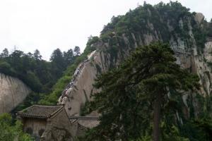 西安到华山旅游_西安到陕西渭南华山景区旅游线路_一天游图片