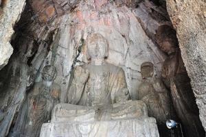 洛阳龙门石窟潜溪寺