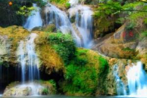 香水河七彩瀑布风景区