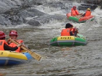 罗河谷漂流