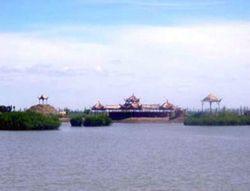 巴彦淖尔镜湖生态旅游区