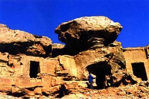 鄂尔多斯阿尔寨石窟