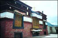 西藏山南昌珠寺