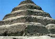 萨卡拉金字塔